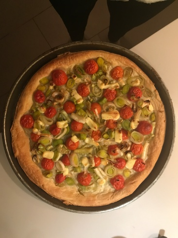 leek and tomato flatbread
